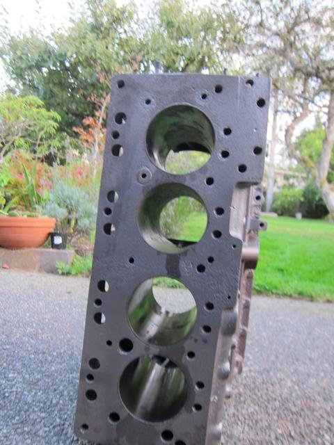 Healey 100-4 Bare Engine Block 008.jpg